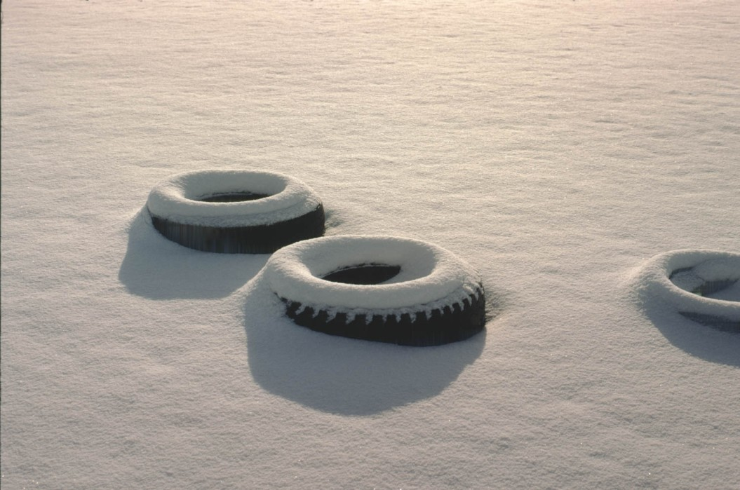 Tires in the Snow (1971)